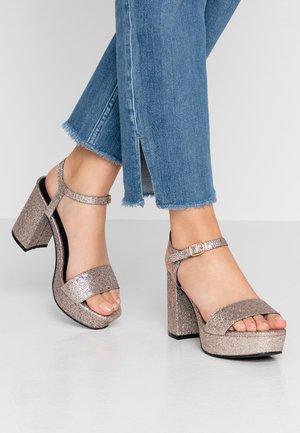 High heeled sandals - pink glitter