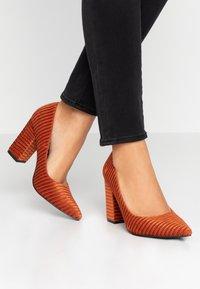 Glamorous - Zapatos altos - camel - 0