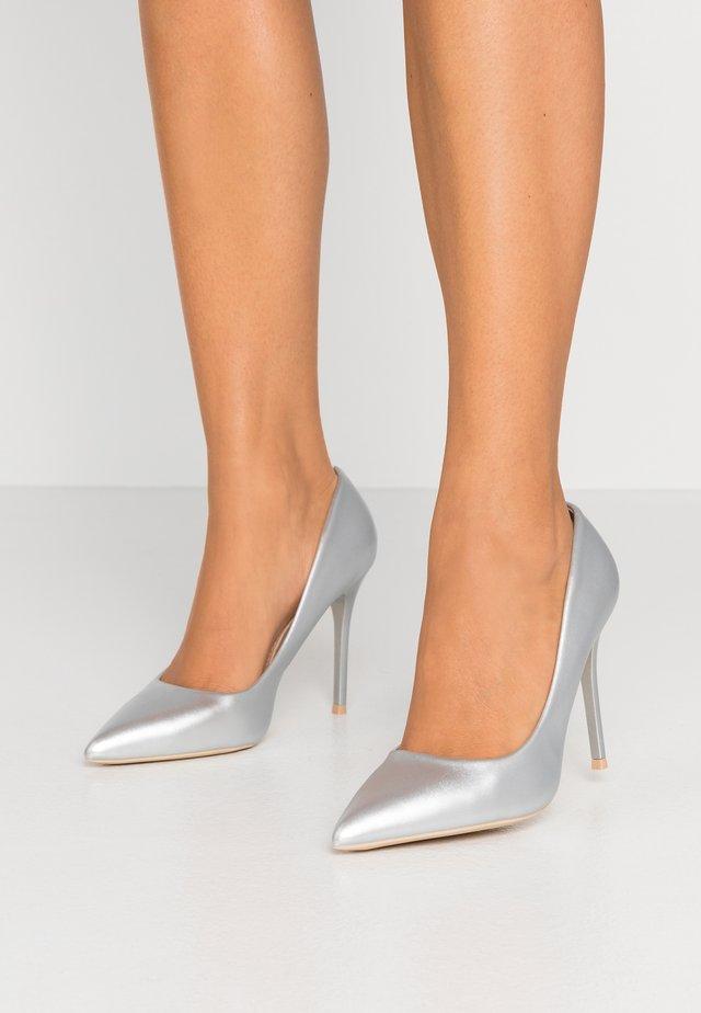 Lodičky na vysokém podpatku - silver