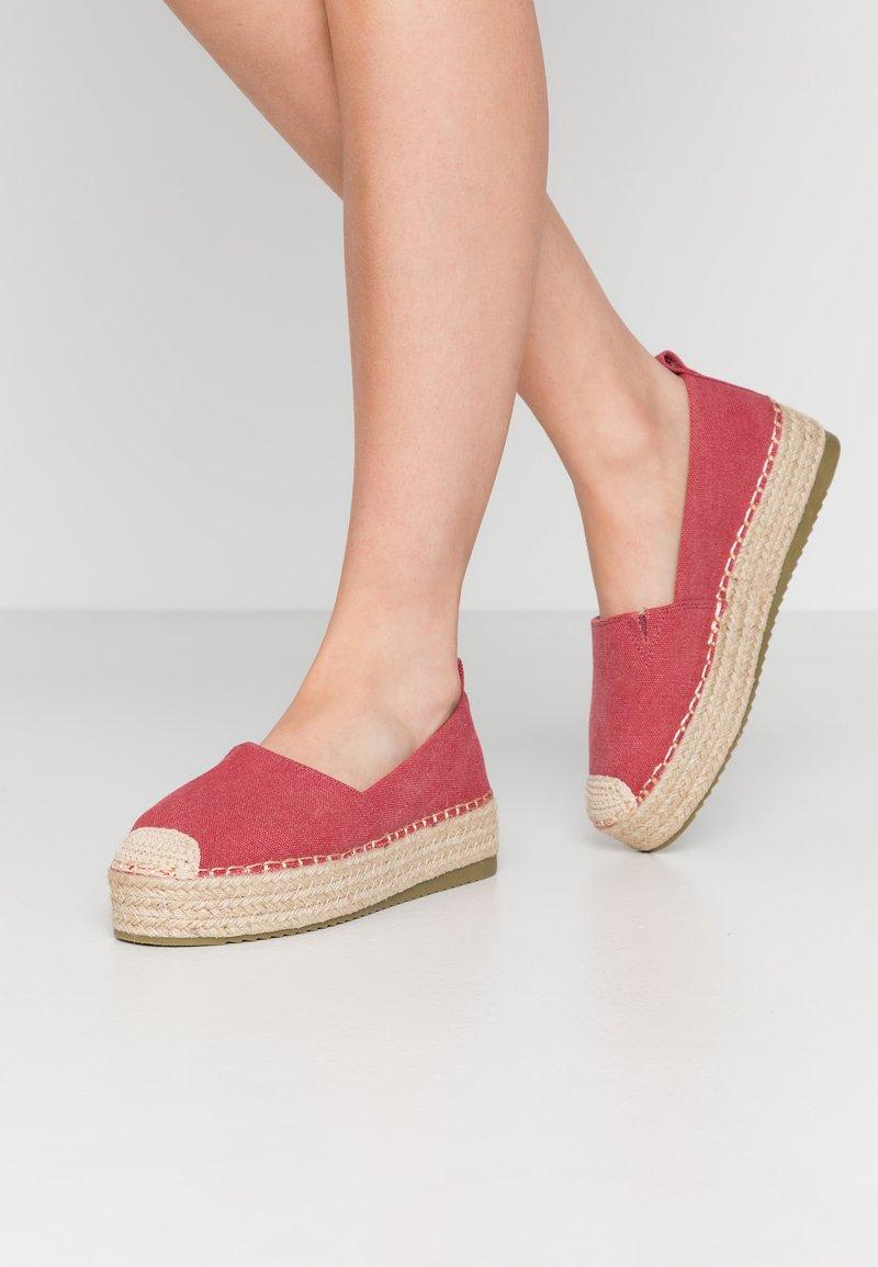 Glamorous - Espadrilles - red