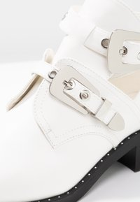 Glamorous - Classic ankle boots - white - 5