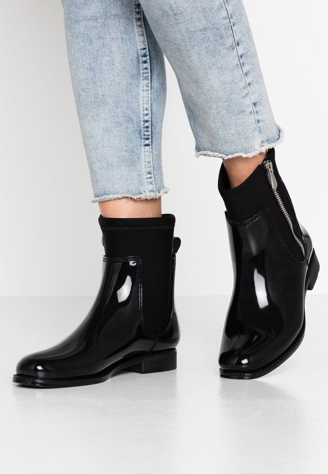 Wellies - black