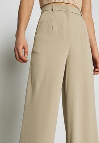 Glamorous - WIDE LEG TROUSERS WITH POCKETS - Bukse - stone - 5