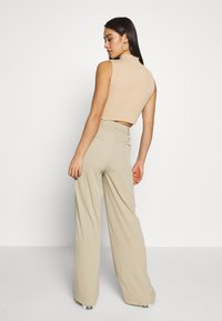 Glamorous - WIDE LEG TROUSERS WITH POCKETS - Bukse - stone - 2