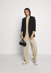 Glamorous - WIDE LEG TROUSERS WITH POCKETS - Bukse - stone - 1