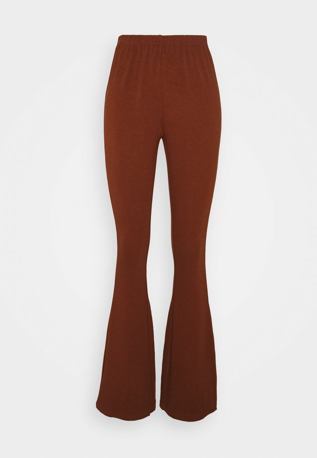 JERSEY RIB FLARE - Stoffhose - brown