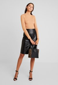 Glamorous - Pouzdrová sukně - black - 1