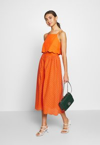 Glamorous - BRODERIE ANGLAIS MIDI SKIRT - Áčková sukně - bright orange - 1
