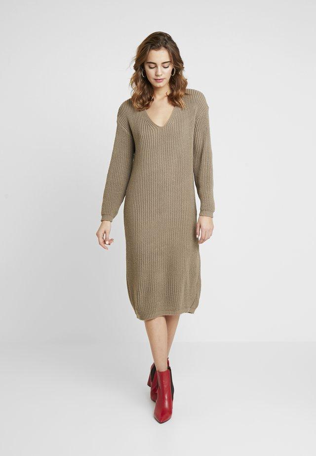 Gebreide jurk - light brown