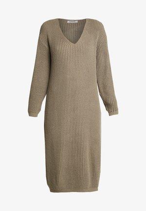 Sukienka dzianinowa - light brown