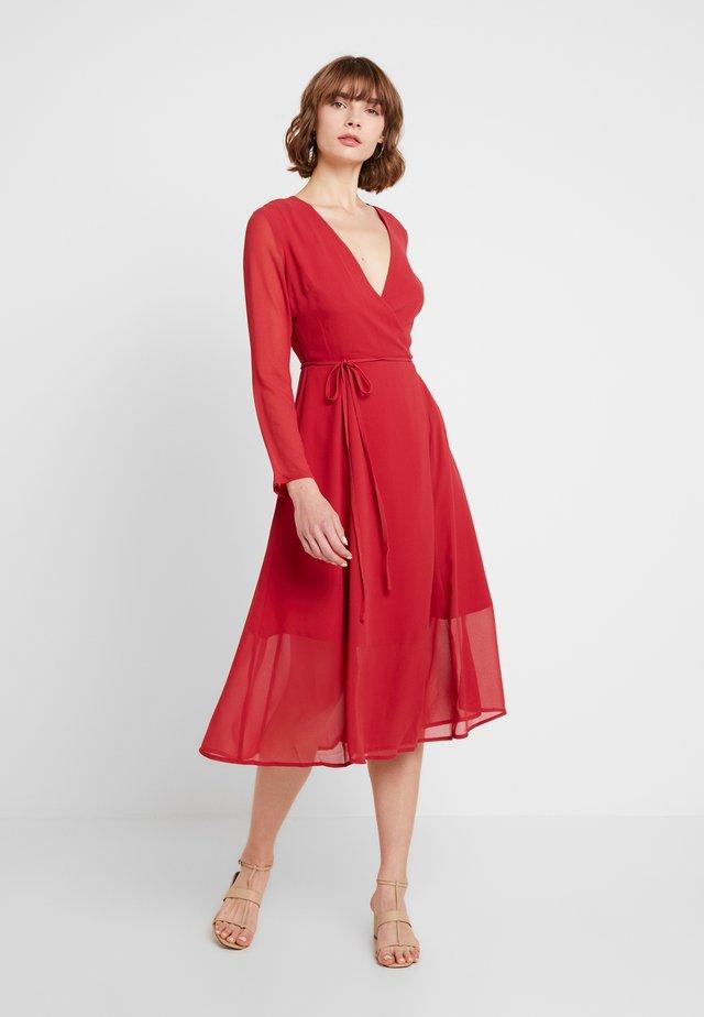 Sukienka letnia - red