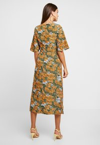 Glamorous - Robe d'été - orange green geometric - 3