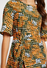 Glamorous - Robe d'été - orange green geometric - 6