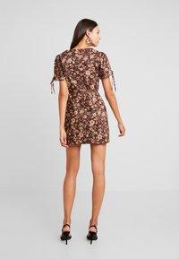 Glamorous - Denní šaty - brown - 3