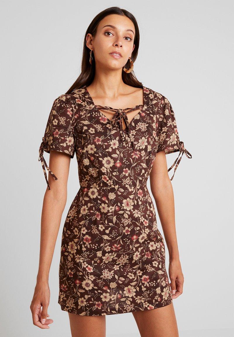 Glamorous - Denní šaty - brown