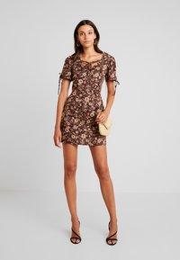 Glamorous - Denní šaty - brown - 2