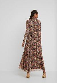 Glamorous - Maxi dress - pink golden - 3