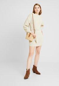 Glamorous - Stickad klänning - ecru - 2