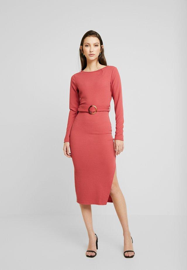 Pouzdrové šaty - dusty raspberry