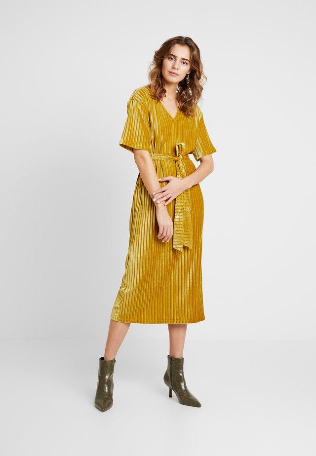 LADIES DRESS - Korte jurk - chartreuse