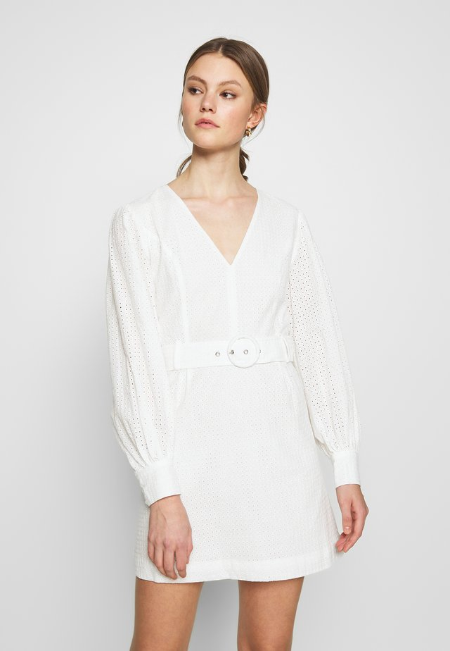 LONG SLEEVE BRODERIE DRESS WITH BELT - Korte jurk - white / black
