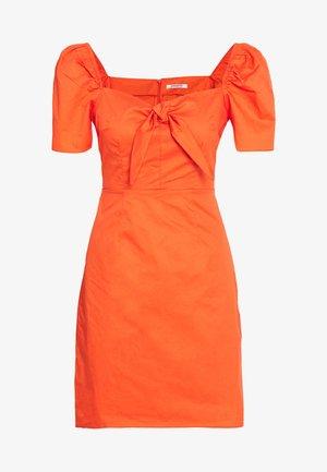 SHORT SLEEVE MINI DRESS WITH TIE DETAIL - Day dress - orange