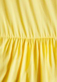 Glamorous - TIERED SMOCK DRESS - Hverdagskjoler - yellow - 2