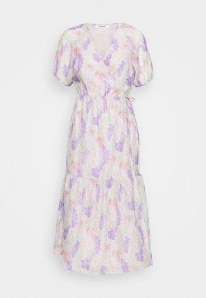 V NECK MIDI DRESS WITH SIDE TIE - Vapaa-ajan mekko - lilac