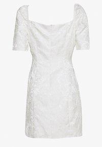 Glamorous - BARDOT BROCADE MIDI DRESS - Sukienka koktajlowa - white - 1