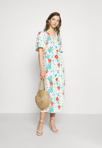 Glamorous - FLORAL WRAP DRESS WITH TIED DETAIL - Denní šaty - bright multi - 1