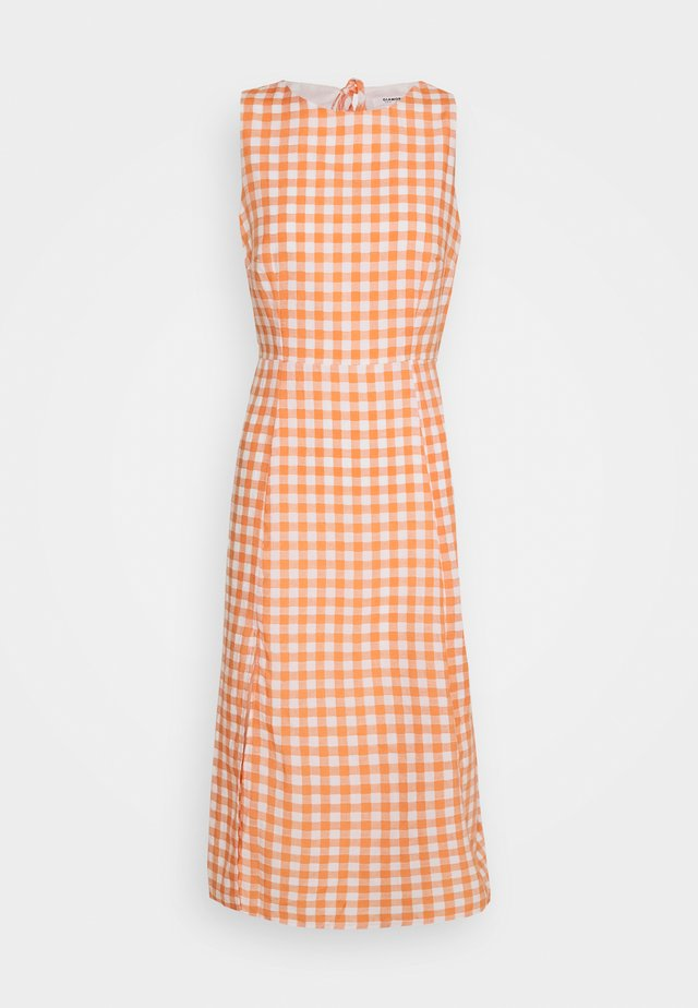 PALOMA OPEN BACK MIDI DRESS - Denní šaty - orange gingham
