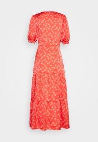 Glamorous - SHORT SLEEVE V NECK MIDI DRESS - Denní šaty - coral/pink - 1