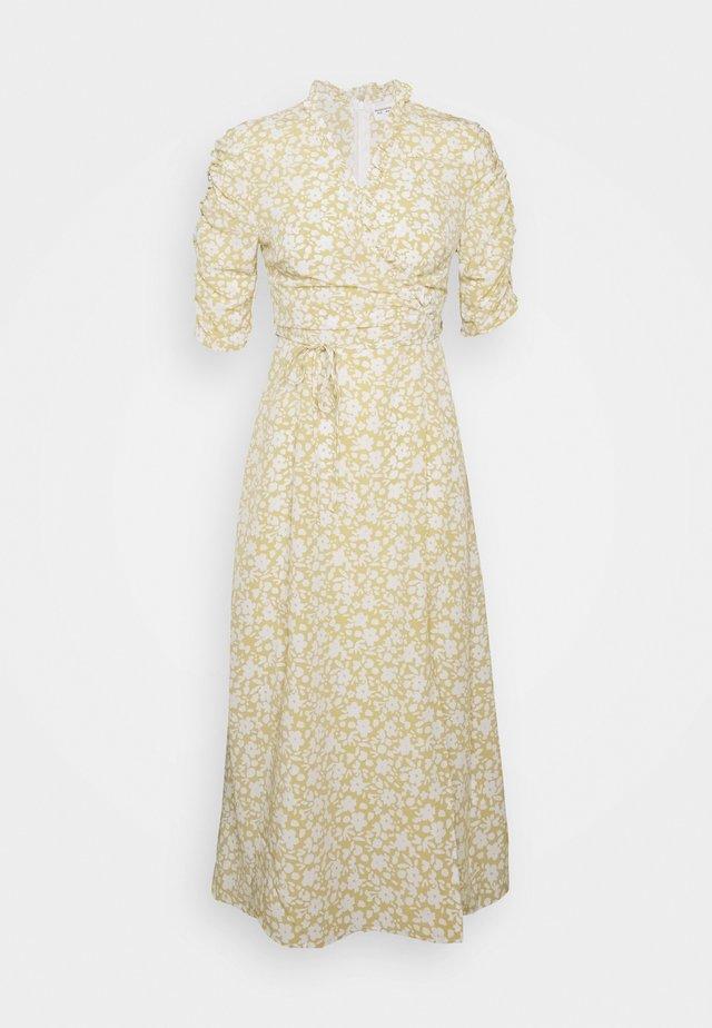 DRESS - Denní šaty - stone