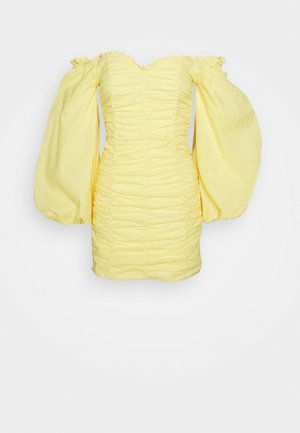 RUCHED DRESS WITH VOLUME SLEEVE - Day dress - yellow
