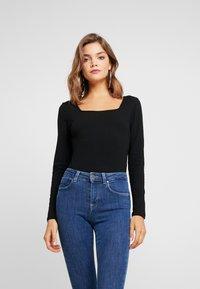 Glamorous - 2 PACK - T-shirt à manches longues - black/khaki - 2