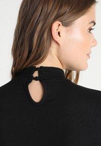 Glamorous - HIGH NECK LONGSLEEVE WITH TIE BACK - Topper langermet - black - 6
