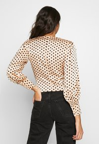 Glamorous - BUTTON FRONT - Blouse - peach black spot - 2