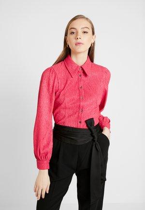 TEXTURED - Button-down blouse - fuchsia