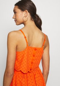 Glamorous - BRODERIE ANGLAIS CROP  - Bluzka - bright orange - 4