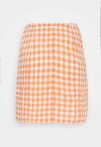 Glamorous - PALOMA GINGHAM MINI SKIRT - Miniskjørt - orange gingham - 1