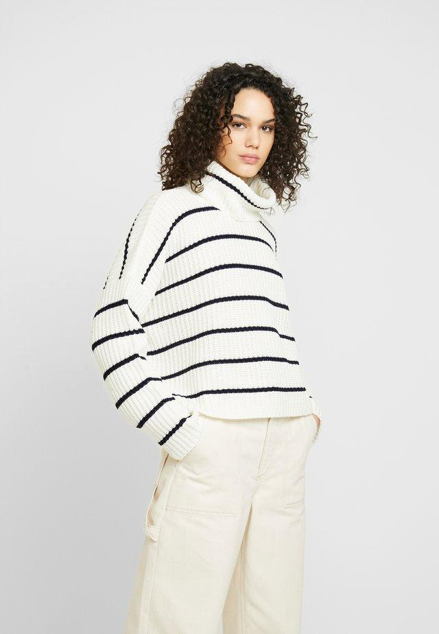 STRIPE ROLL NECK JUMPER - Jersey de punto - white black