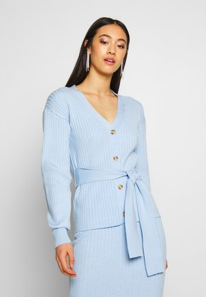 SLOUCHY CARDIGAN WITH BELT - Chaqueta de punto - light blue