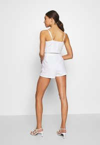 Glamorous - EMBROIDERED WAIST  - Shorts - white - 2