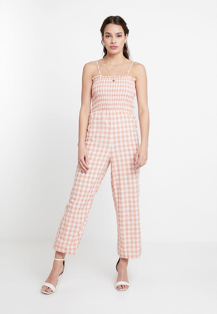 Glamorous - Jumpsuit - peach/white