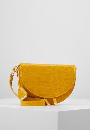 Skulderveske - mustard yellow