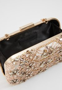 Glamorous - CAO - Clutch - gold - 4