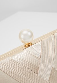 Glamorous - CAO - Clutch - gold-coloured - 5