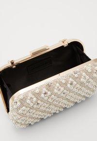 Glamorous - Clutch - pearl - 2