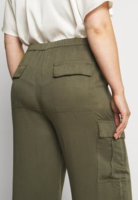 Glamorous Curve - COMBAT TROUSER - Kalhoty - light khaki - 5
