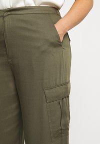 Glamorous Curve - COMBAT TROUSER - Kalhoty - light khaki - 3